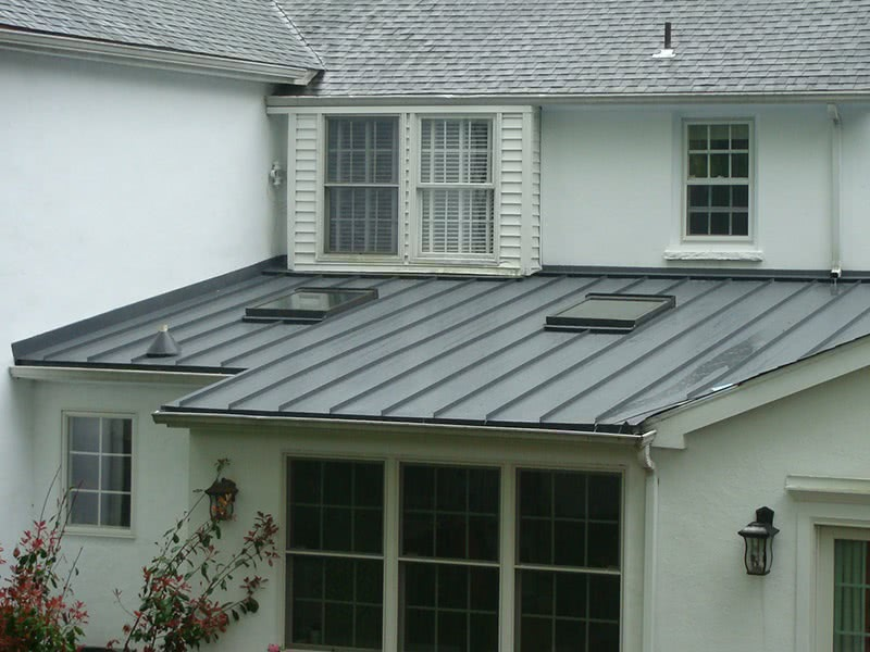 Metal and asphalt roof style