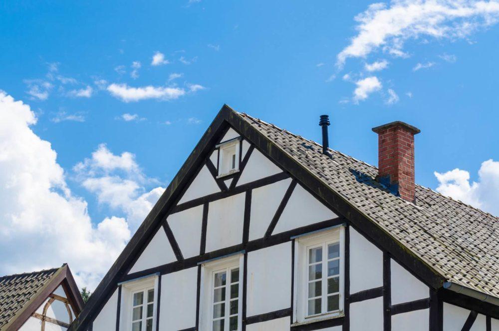 этом случае фото фронтон немецких домов войной