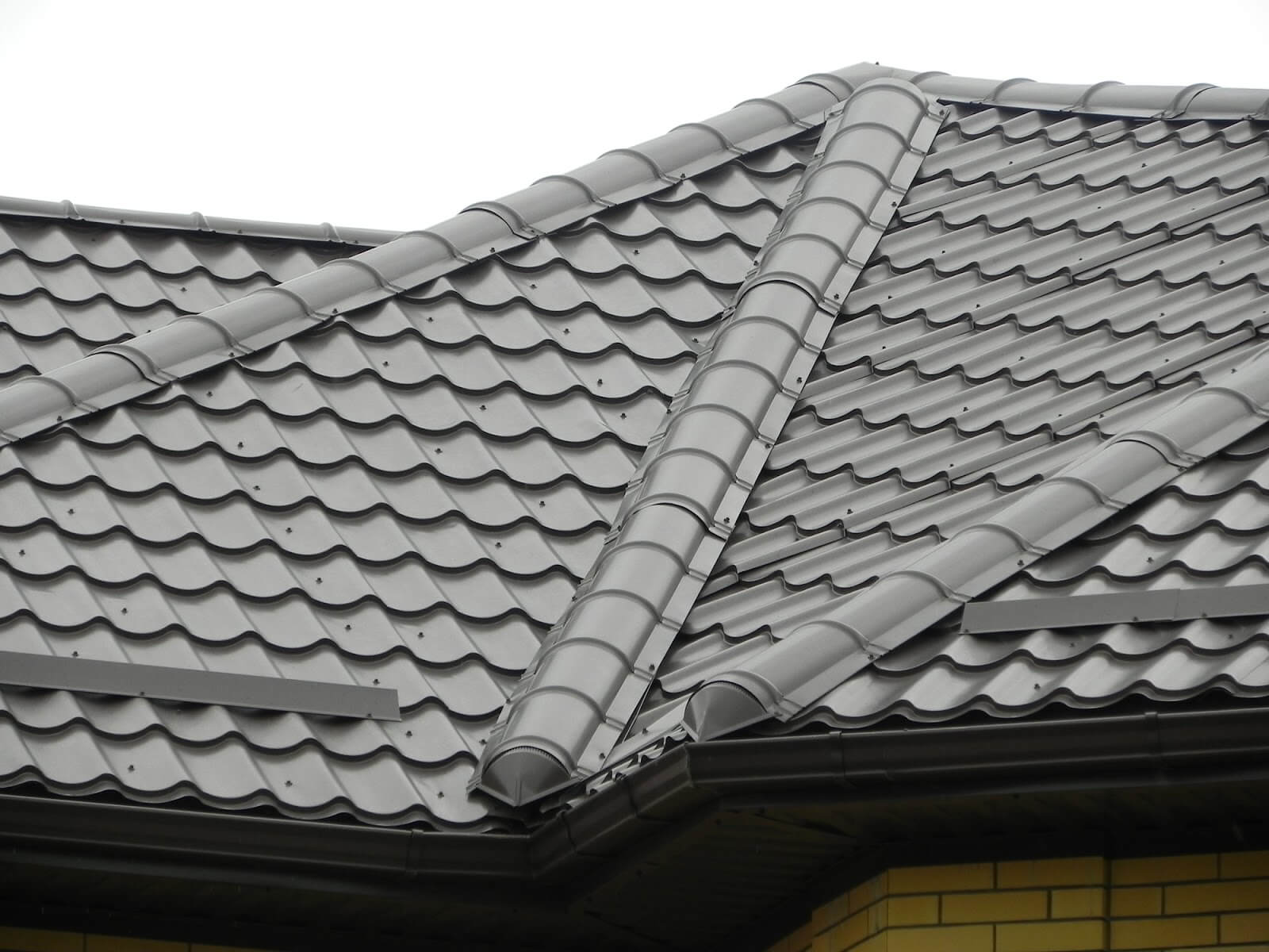 install a metal roof valley